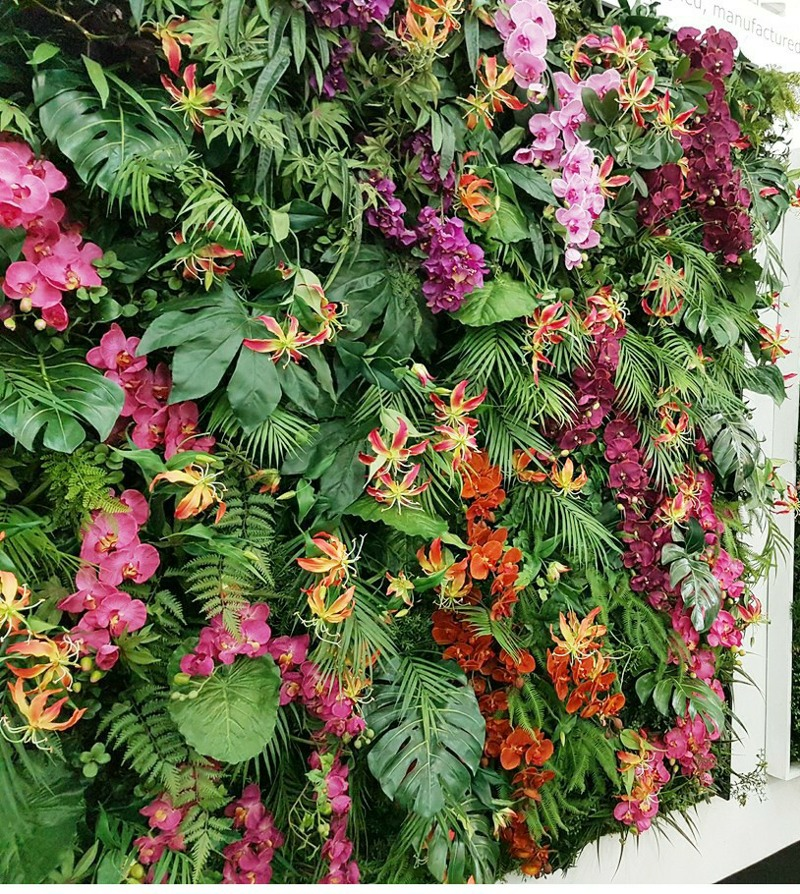 Floral artificial green wall