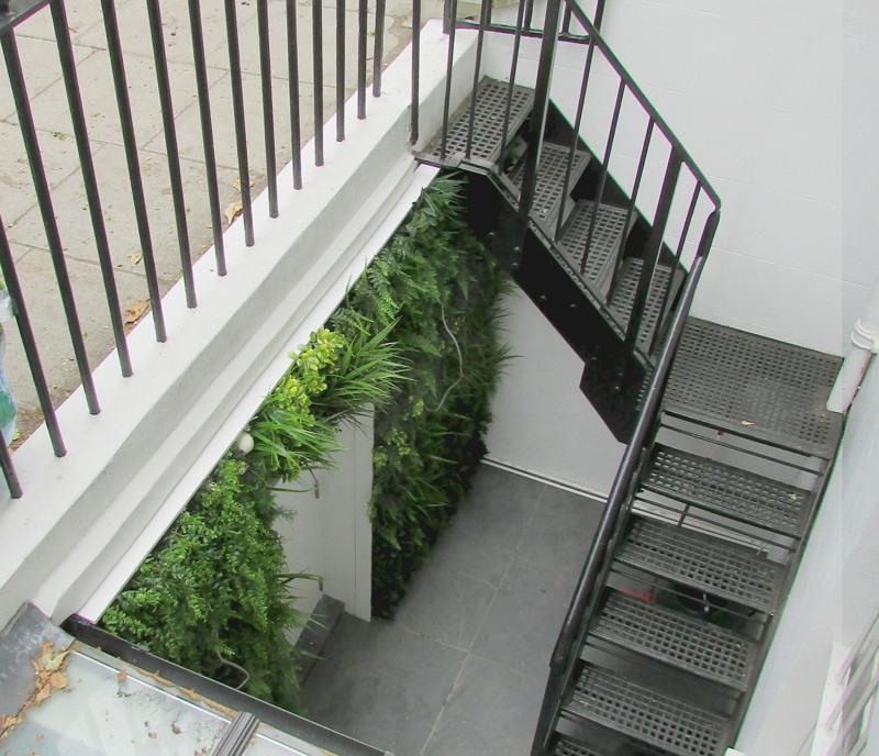 Small outdoor artificial green wall basement