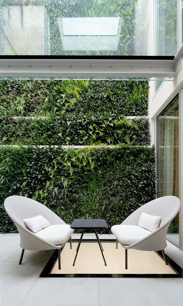 London green wall in private residence